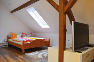Schlafzimmer-FeWo-Pension-am-Sonnenhof